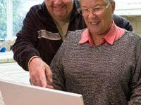 Senioren häufig auf Partnersuche im Internet