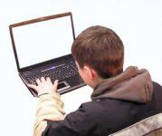 Nutzung des Internets spielt für Teenager große Rolle
