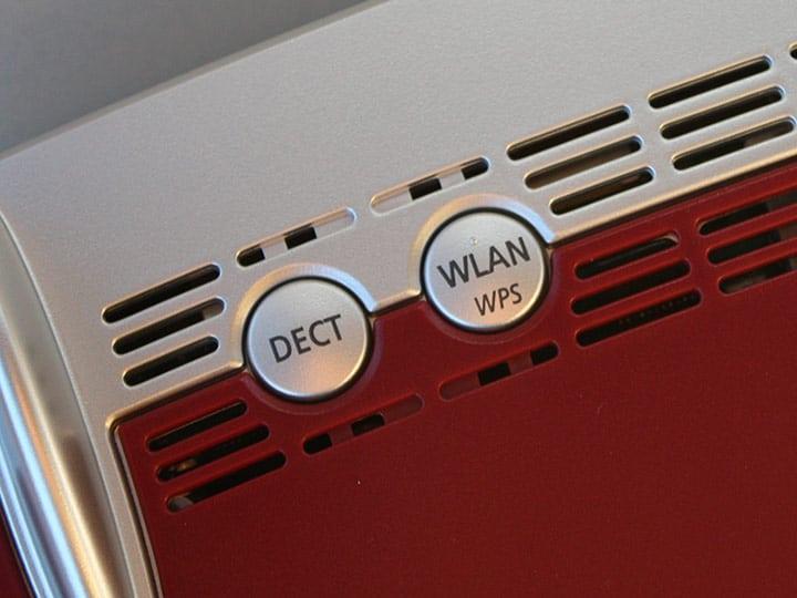 WPS und DECT Button an einer FRITZ!Box