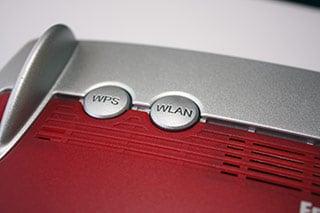 WPS und WLAN Button bei einer Fritz!Box