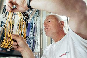 Primacom Techniker; Bild: Michael Bader für primacom unter CC BY