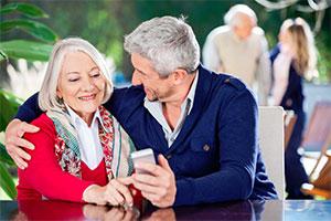 Smartphonenutzung von Senioren nimmt zu